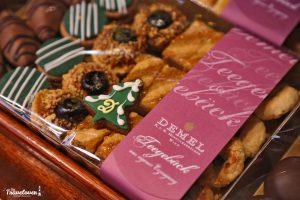 Vassoio di dolcetti dell'antica pasticceria Demel